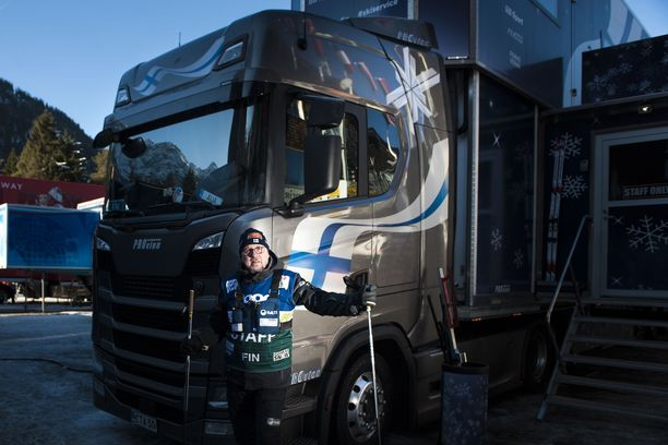 Arto Nieminen on ollut Suomen huoltorekan ratissa vuodesta 2014. Hän lähti tämän kauden reissuun marraskuussa ja palaa kotiin maaliskuun puolivälissä.