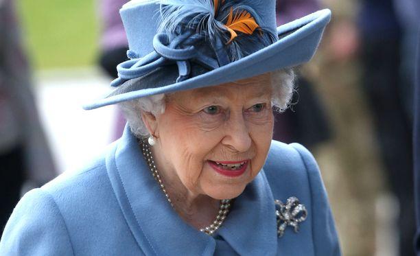 Kuningatar Elisabet II on kunniakkaasta iästään huolimatta hyvässä kunnossa.
