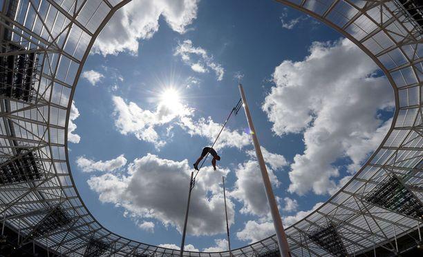 Renaud Lavillenie taivutti 603 Lontoon olympiastadionilla.