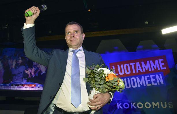 Kokoomuksen puheenjohtaja Petteri Orpo viime eduskuntavaalien vaalivalvojaisissa.