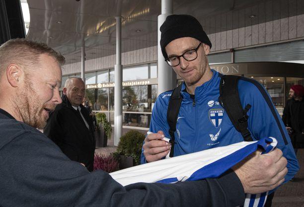 Lukas Hradeckyn nimikirjoitukset kelpasivat.