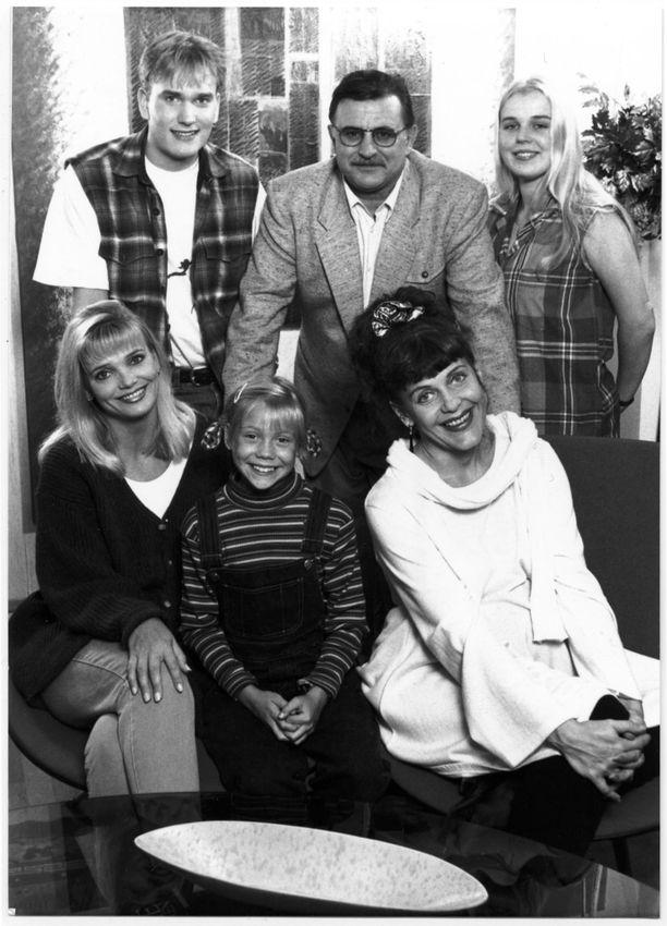 Blondi tuli taloon -tv-sarja pyöri televisiossa vuosina 1994-95.