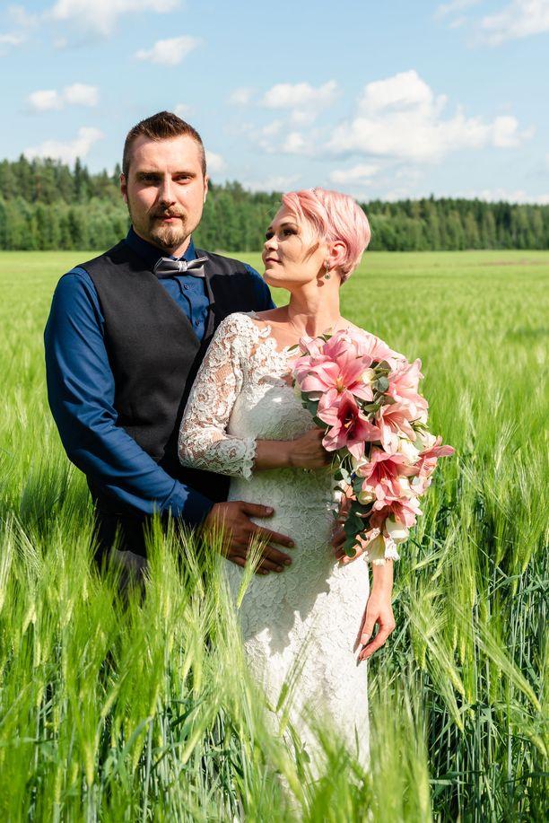 Aleksi ja Riina avioituvat suosikkisarjassa Unelmahäät.