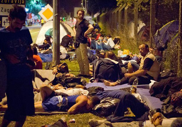 Unkarin rakentama aita käänsi pakolaisvirran Kroatiaan.