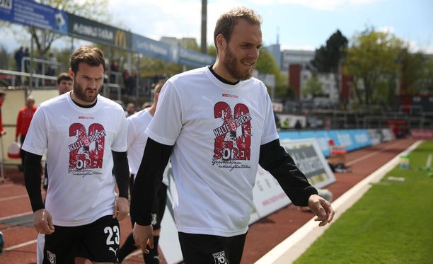 Timo Furuholm toivoo Interin säilyvän Veikkausliigassa.
