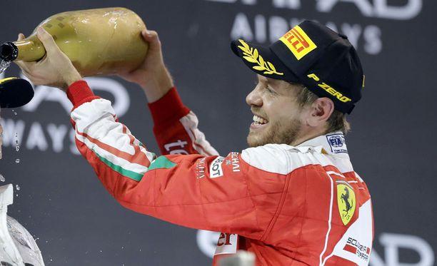 Sebastian Vettelillä on viime vuosina riittänyt naisennimisiä autoja.