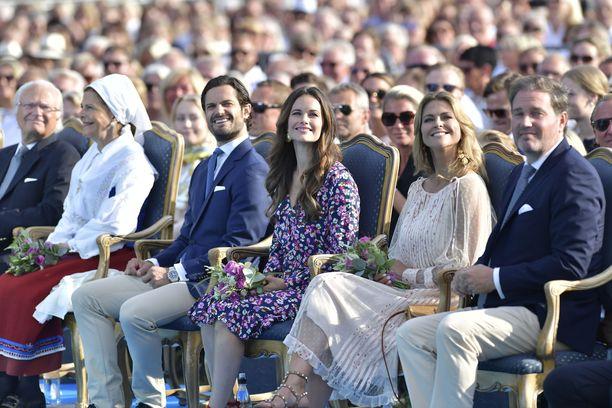 Ruotsin kruununprinsessa Victorian syntymäpäiviä juhlistettiin konsertilla Borgholmissa 14. heinäkuuta. Ruotsin prinssi Carl Philip ja prinsessa Sofia sekä prinsessa Madeleine ja puolisonsa Chris O'Neill nauttivat konsertista eturivissä.