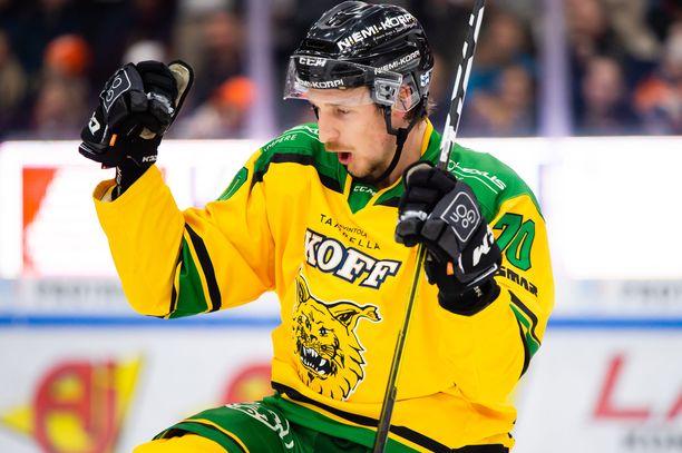 Niko Peltola vei Ilveksen 2–0-johtoon avauserän lopussa.