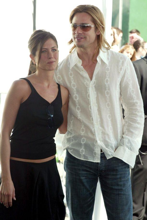 Brad Pitt ja Jennifer Aniston ovat viihtyneet myös rennoissa pukeissa.