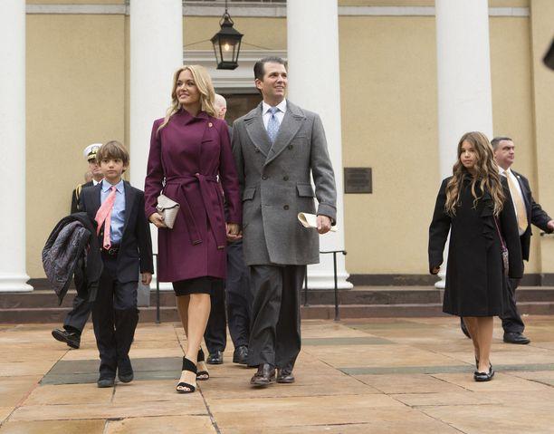 Donald Trump Junior ja vaimonsa Vanessa Trump yhdessä presidentin virkaanastujaisissa tammikuussa.