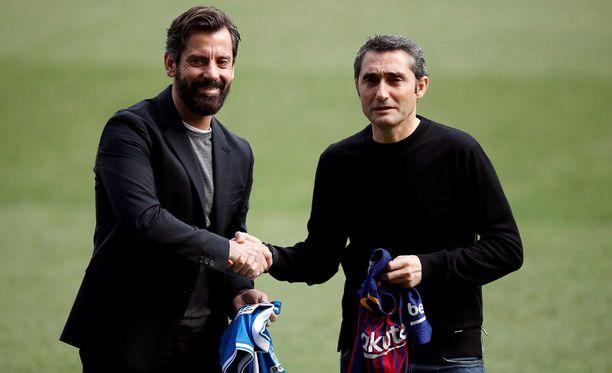 Espanyolin Quique Sanchez Flores (vasemmalla) ja FC Barcelonan Ernesto Valverde johdattavat joukkonsa tänään Barcelonan derbyyn.