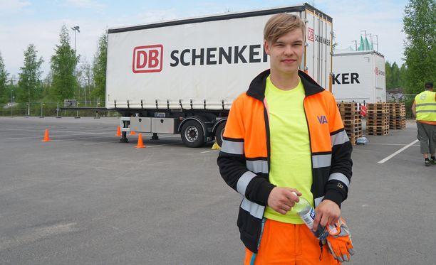 Perjantaina haaveammattiinsa valmistunut Roope Juutilainen pokkasi oman lajinsa kultamitalin Taitaja-kilpailussa aikaisemmin toukokuussa.