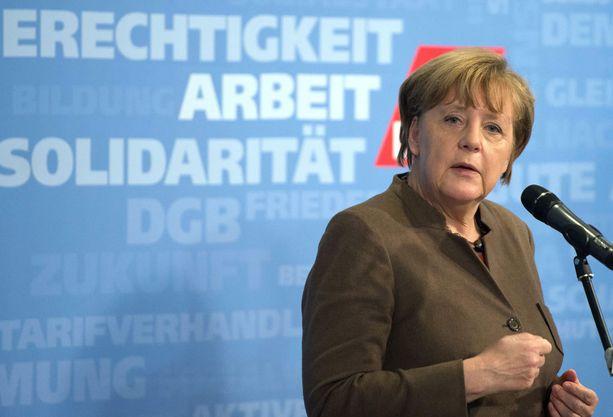 Angela Merkeliä on kiitetty ja kirottu ovien avaamisesta pakolaisille.