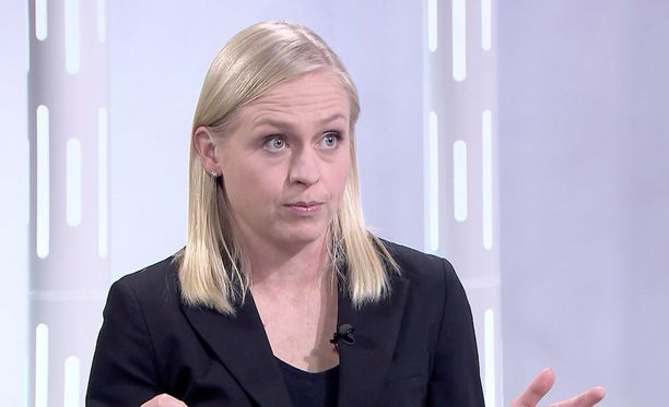 Elina Lepomäki pitää soten laskelmia puutteellisina.