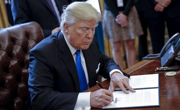 Presidentti Donald Trump jakaa mielipiteitä myös salaisessa palvelussa.