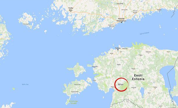 Onnettomuuspaikka sijaitsee muutaman kymmenen kilometrin päässä Pärnusta.