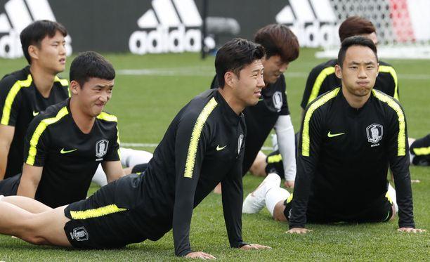 Etelä-Korea avaa MM-turnauksensa ottelulla Ruotsia vastaan.