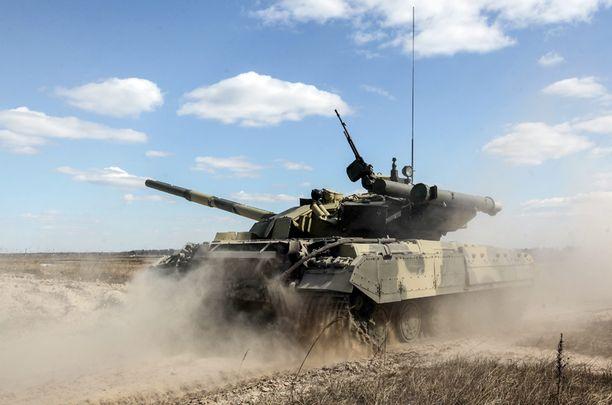 Ukrainan armeijan panssarivaunu harjoituksissa Kiovan lähellä viime viikolla.
