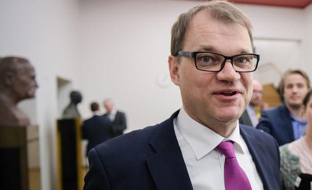Apulaisoikeuskanslerin mukaan pääministeri Juha Sipilällä ei ollut syytä jäädä pois Intian-vierailulta sen vuoksi, että hänen lapsensa omistivat osan matkalle osallistuneesta yrityksestä.
