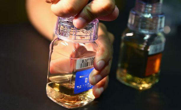 Bulgarialaisia painonnostajia kärähti dopingista.