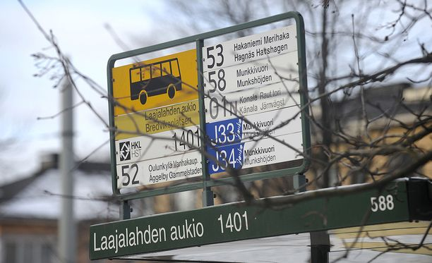 Pääkaupunkiseudulla bussiyhtiö Nobinan vuoroista jää aamulla ajamatta jopa 90 prosenttia, HSL kertoo.