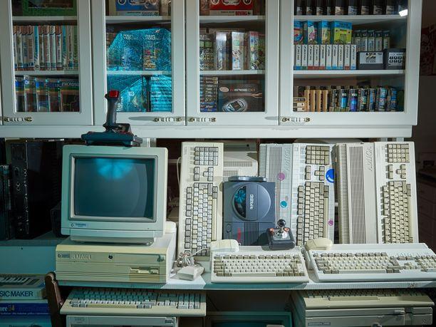 Arin koti on täynnä erilaisia koneita.