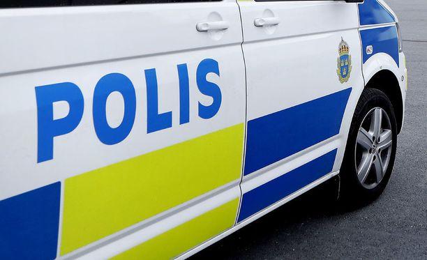 Trelleborgissa on meneillään poliisin suuroperaatio ampujan tai ampujien kiinnisaamiseksi.