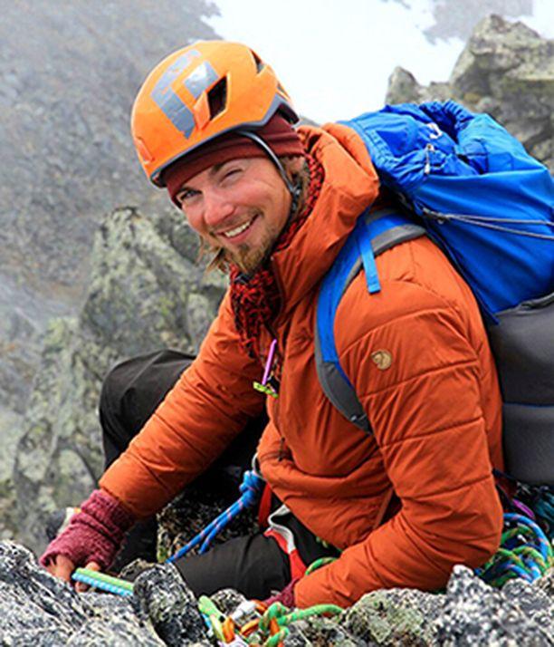 – Syyskuussa vilkkain turistikausi on ohi Lofooteilla ja silloin jää aikaa myös omalle kiipeilyharrastukselle, kertoo Fredrik.