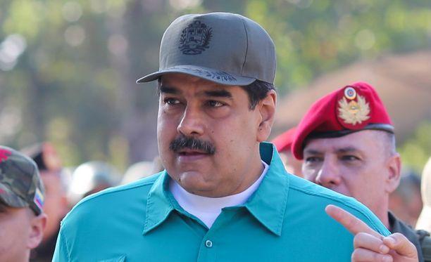 Venezuelan presidentti Nicolas Maduro pitää kiinni vallastaan, vaikka Yhdysvallat ja Eurooppa tukevat Juan Guaidoa presidentiksi.