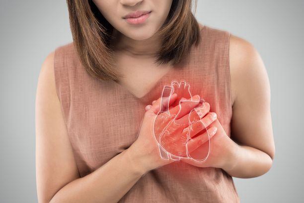 Eteisvärinän oireet voivat olla epämääräisiä, kuten heikotusta ja ahdistavaa oloa.