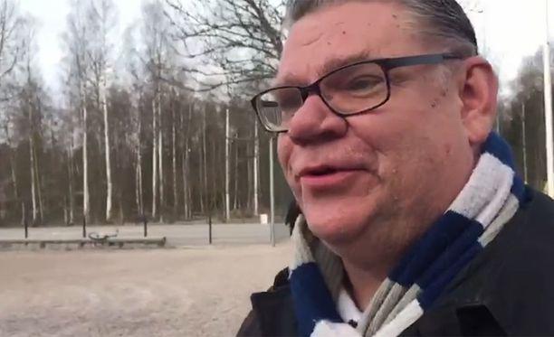 Ulkoministeri Timo Soinin (ps) mukaan terroria uhkaa vastaan voidaan taistella vain avoimuudella ja demokratialla. Sulkeutuminen ei ole vaihtoehto, Soini sanoo.