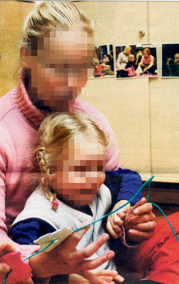 Myrkytyskuolemista epäilty hoitaja on ollut kesästä lähtien vangittu.