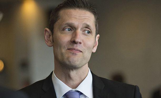 Sinuhe Wallinheimon rooli jääkiekkoilijoiden etujärjestön puheenjohtajana asettaa hänet kaksijakoiseen asemaan.