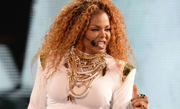 Janet Jackson joutui perumaan tammikuussa alkaneen maailmankiertueensa.