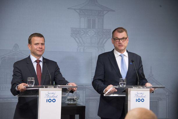 Kokoomuksen puheenjohtaja, valtiovarainministeri Petteri Orpo ja keskustan puheenjohtaja, pääministeri Juha Sipilä, ovat kovan paikan edessä: sote-uudistus on vaarassa kaatua.