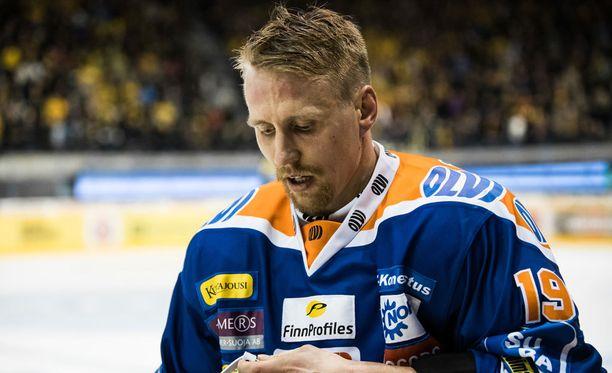 Veli-Matti Savinainen vapautuu pelikiellostaan tänään.