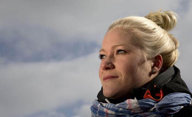 Noora Räty teki debyyttinsä miesten tasolla.