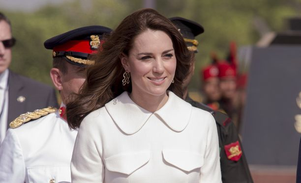 Herttuatar Catherinen tyylikäs pukeutuminen on ihastuttanut Intian vierailulla.