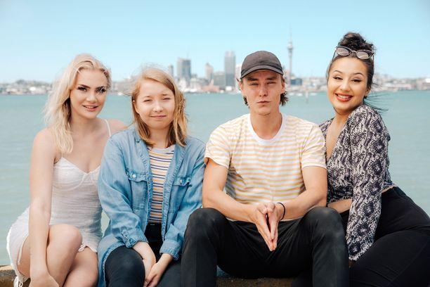 Ada, Sini, Jussi ja Emel ovat uuden äärellä Uudessa-Seelannissa.