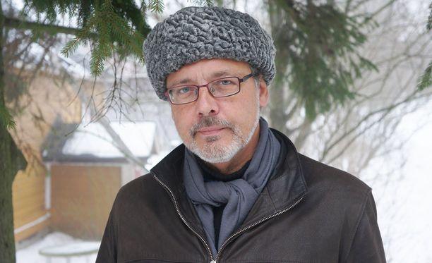 Mikael Storsjö sanoo dokumentoineensa useita kotikäyntien jälkiä.