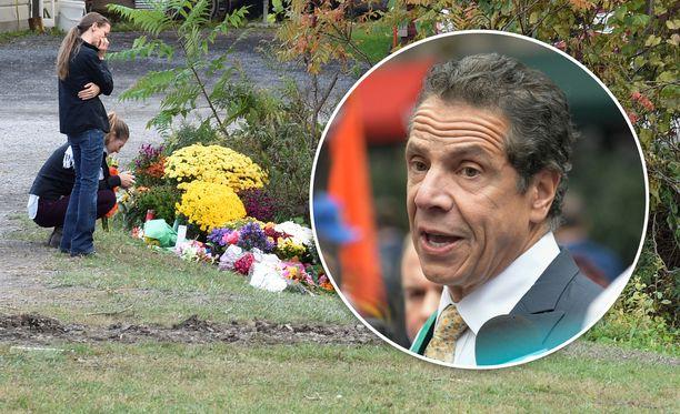 New Yorkin kuvernöörin Andrew Cuomon mukaan turmalimusiini ei ollut läpäissyt katsastusta eikä sen kuljettajalla ollut tarvittavia ajolupia.