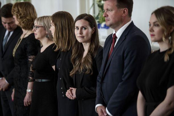 Sanna Marinista on tulossa uusi pääministeri. Hallituksen ministereihin on tulossa muutamia muitakin muutoksia. Katri Kulmuni (oikealla) on ottamassa valtiovarainministerin salkun elinkeinoministerin salkun sijaan.