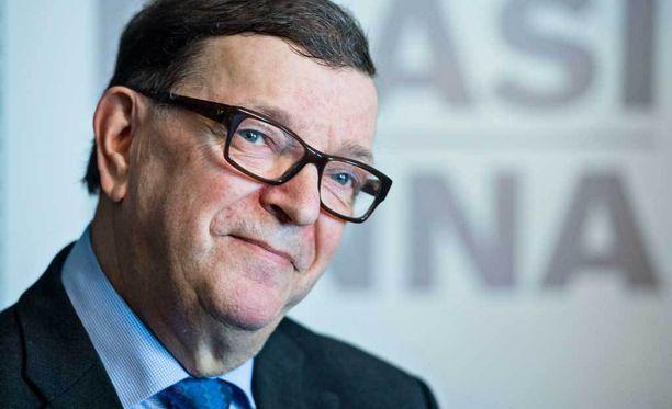 Europarlamentaarikko Paavo Väyrynen ilmoitti jättävänsä keskustan tammikuussa.