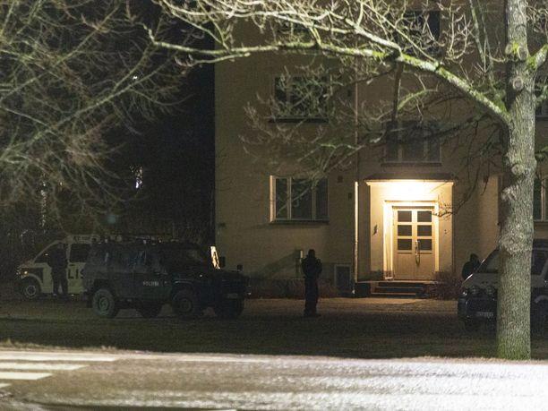 Poliisin suuroperaatio käynnistyi Kotkassa tiistai-iltana.