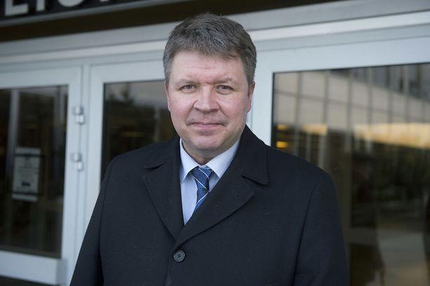 Vaalitutkija Sami Borgin mukaan keskustan eduskuntaryhmän ilmoituskampanja ajoittui turhan lähelle kuntavaaleja.
