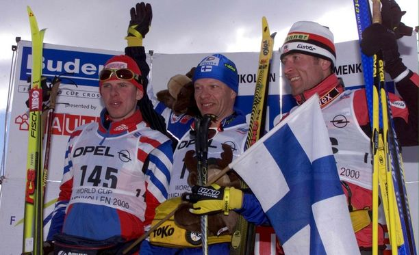 Harri Kirvesniemi voitti Holmenkollenin 50 kilometrillä päivälleen 17 vuotta sitten, 11. maaliskuuta 2000.