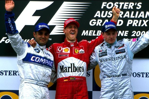 Kimi Räikkönen siirtyi vahvan debyyttikauden jälkeen suurtalliin, McLarenille. Heti kauden ensimmäisessä kisassa Australiassa hän nousi podiumille yhdessä Michael Schumacherin ja Juan Pablo Montoyan (vas.) kanssa.