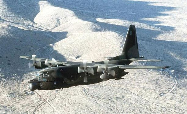 MOAB pudotettiin MC-130 -kuljetuskoneesta.