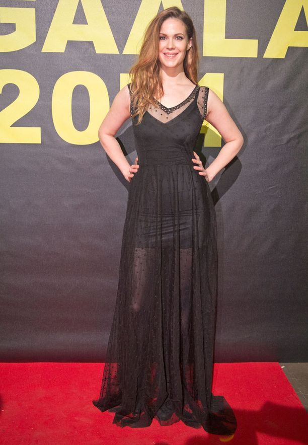 Dieselin puvussa edustanut näyttelijä Pihla Viitala oli kadottanut äänensä eikä voinut antaa haastatteluja. Hän jakoi illan aikana Jussin parhaasta puvustuksesta.