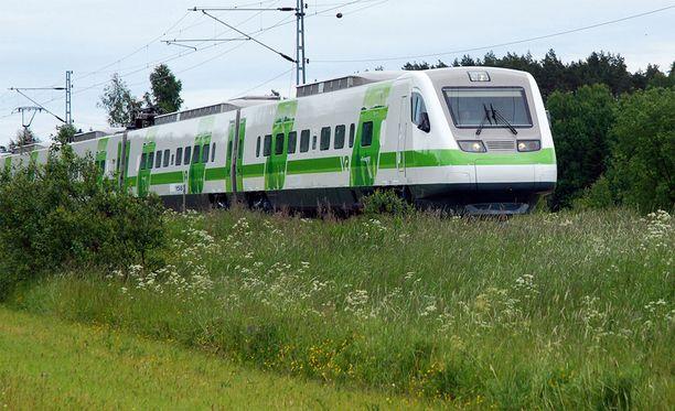 Junaliikenne takkuaa Kouvolan ja Lappeenrannan välillä.